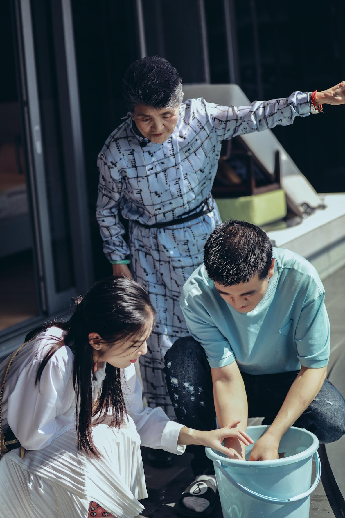 《婆婆和妈妈2》黄圣依说谎被杨子秒拆穿 杜淳街头告白王灿