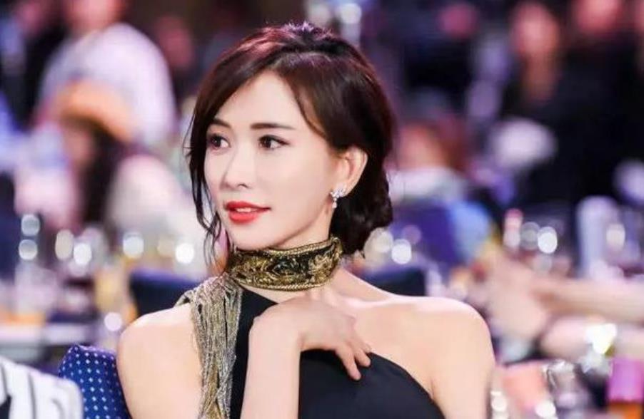 林志玲四十五岁为何还不结婚。网友称:这谁敢娶