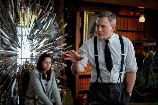 《利刃出鞘》将拍两部续集 007回归主演