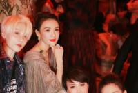 章子怡在社交平台上晒出自己去看秀的照片