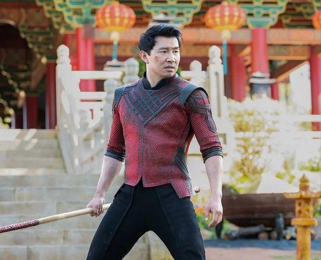 漫威电影《尚气与十戒传奇》发布正式预告,梁朝伟展示十环之力
