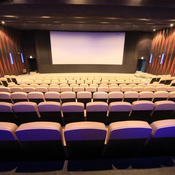 电影院增收出新招,好座位要多掏钱,你会买单吗?