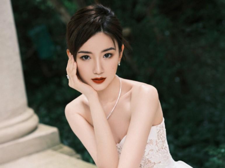 【美天棋牌】毛晓彤的演技如何 翻红后的她再次陷入感情的舆论中