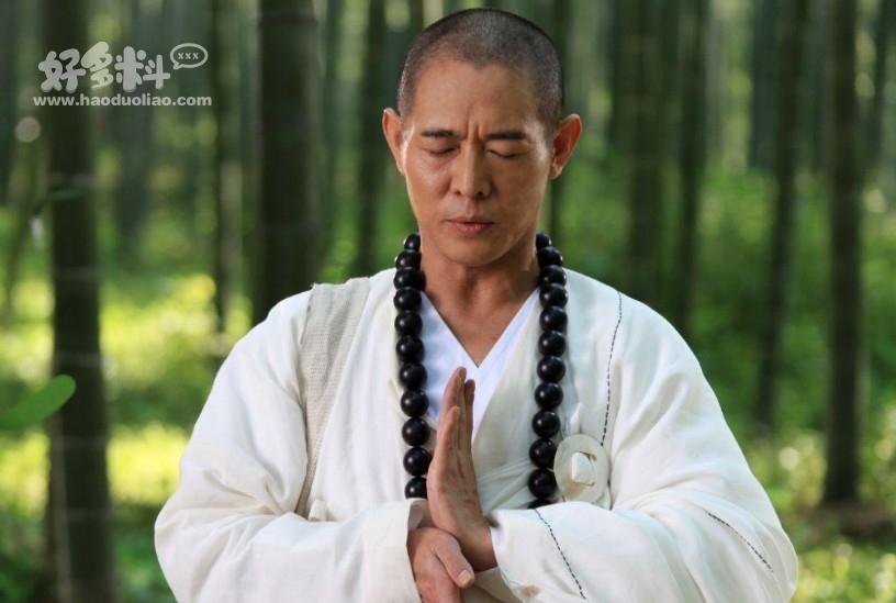 【美天棋牌】李连杰有哪些顶级收藏 信佛多年的他收藏了很多佛珠手串