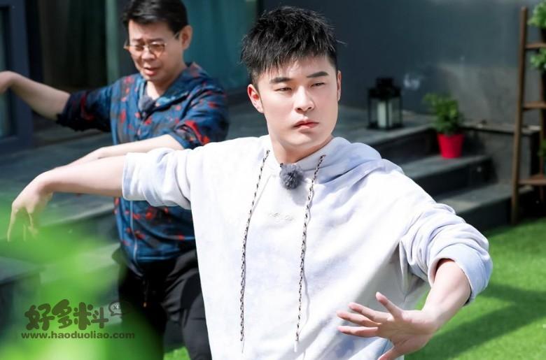 【美天棋牌】陈赫在综艺圈里的地位有多高 被锤死的他靠综艺翻红