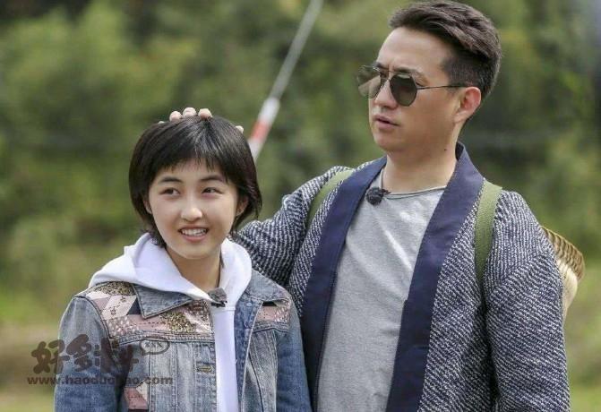 【美天棋牌】张子枫和黄磊的关系被曝不一般 工作室第一时间发文回应