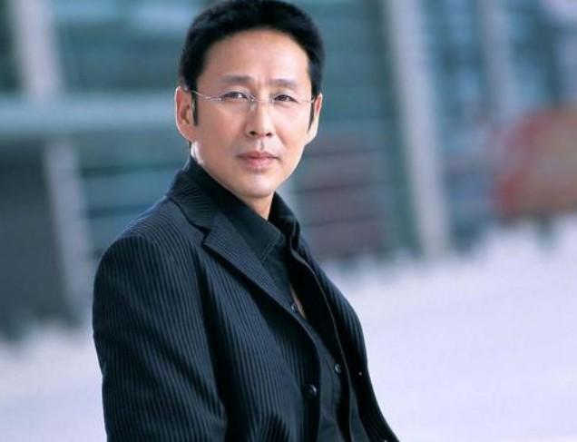 【美天棋牌】娱乐圈最受欢迎的是哪个明星 他是国宝级演员却为人谦和