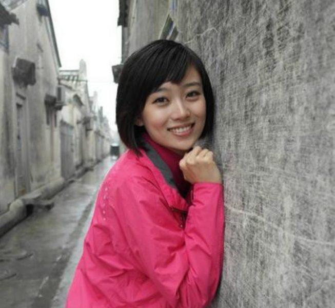 主持人李七月是一个怎样的人  她的主持能力非常强悍