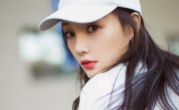 【美天棋牌】李小璐是北京人还是安庆人 她是正儿八经的星二代