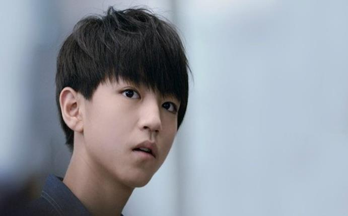 王俊凯的女朋友李佳宁是真的么 传闻王俊凯是同性恋