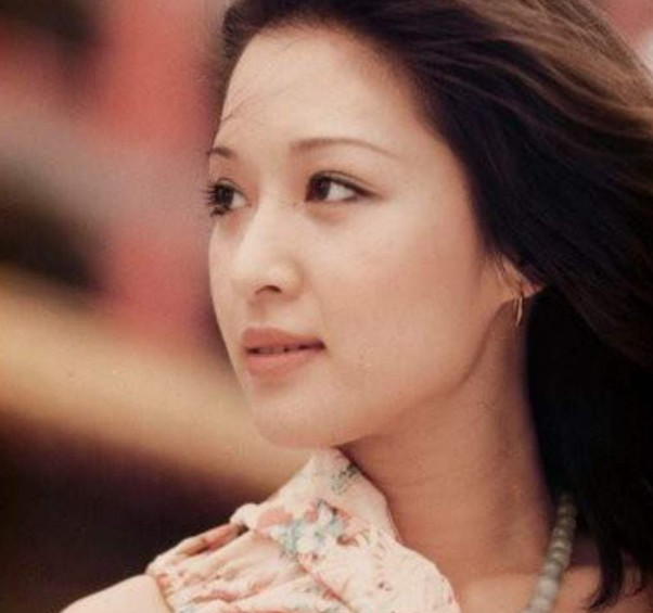 胡因梦漂亮还是王小屯漂亮 她曾被称作台湾第一美女