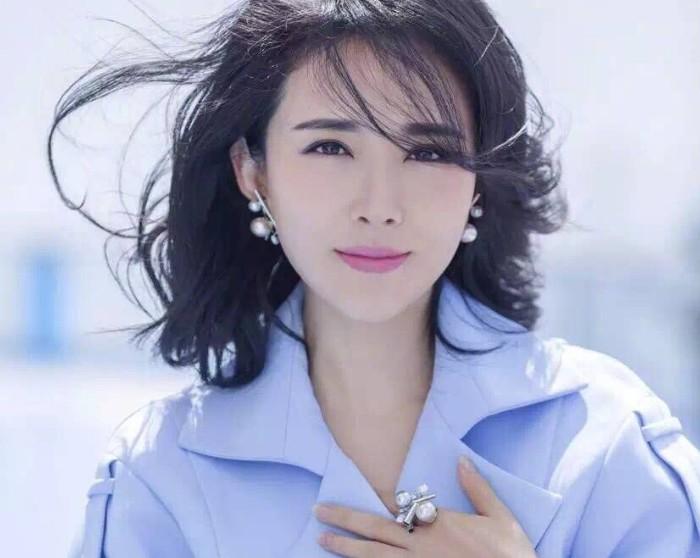 颜丹晨老公个人资料起底 有颜值有实力的她人气不高