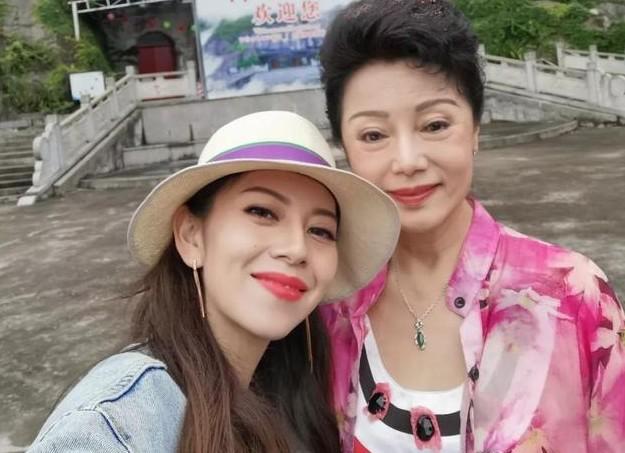 早期候玉婷个人图片流出 年轻时的她是广东台一姐