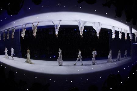 陈志华·地缦《幻醒》DEMAINZ SS22中国国际时装周发布大秀