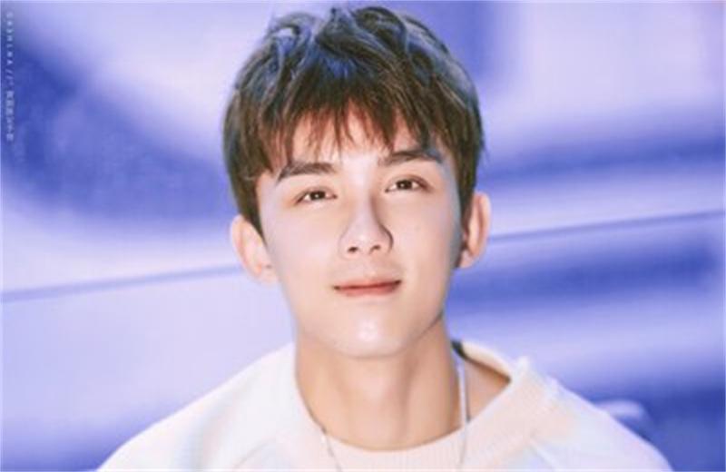 吴磊北电开学典礼代表发言,长相帅气,很快就要毕业了