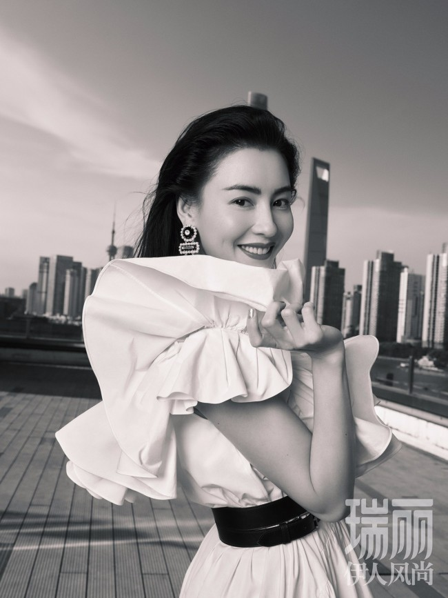 张柏芝《瑞丽伊人风尚》十月刊封面大片