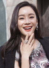 袁姗姗最新街拍 红唇演绎御姐范