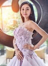 古力娜扎梦幻婚纱写真 纤细身姿展优雅