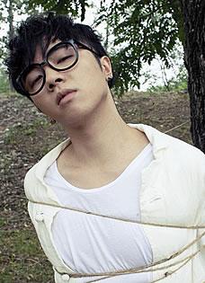 华晨宇新曲MV花絮曝光 谱写多角度人生