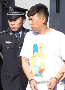 《嘿老头》黄磊被捕剧照 满脸愁容演技破表