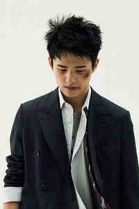刘昊然最新时尚大片 实力演绎多种角色