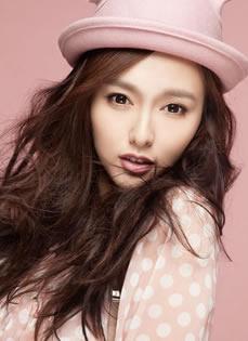 唐嫣2013年单曲《糖心》写真 粉系小公主装俏皮可爱