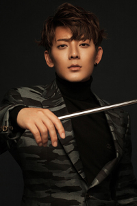 陈翔最新写真大片 眼神犀利魅力十足