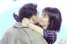 刘涛公然强吻小包总杨烁 不怕老公吃醋
