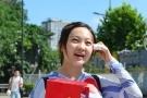 奥运童星林妙可赴南京参加新生报到 打扮朴素似邻家妹妹