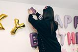 戚薇李承铉为女儿庆生 戚哥亲自布置房间超有爱