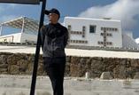 霍汶希微博发图  谢霆锋一身黑衣超帅气
