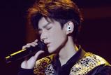 王源18岁生日会多项话题上热搜 与偶像林俊杰合唱、就任联合国大使