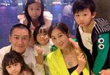 陈浩民儿子过六岁生日 全家一起出动庆祝好温馨
