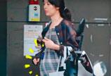 郭碧婷怀孕大肚照曝光 穿格子裙孕相明显