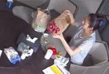 安以轩点麦当劳外卖被烫伤 室内监控录像画面曝光