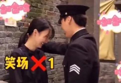 近日,有媒体曝李易峰和金晨酒吧喝酒到凌晨的视频,根据媒体爆料当天晚上,李易峰和金晨在北京朝区某酒吧,但除了李易峰和金晨之外,还有琴王子李云迪以及众多朋友。