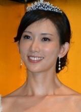 林志玲着婚纱亮相东京 101次求婚日本上映