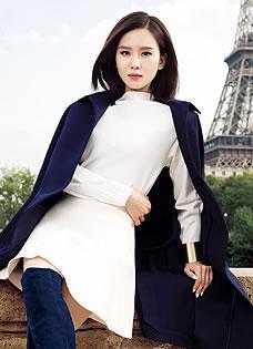 刘诗诗巴黎时尚街拍 诠释异国浪漫风情