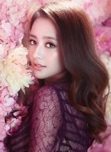 佟丽娅全新花海大片 娇媚唯美人比花俏