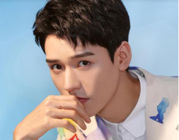 龚俊登上微博热搜榜首,录制综艺扮哪吒,却被吐槽辣眼睛